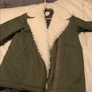 Great green military style W winter/fall coat!